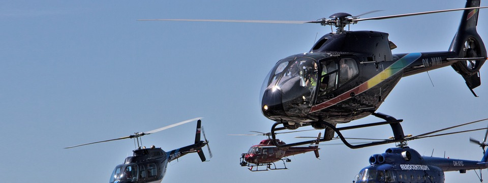 Helicopter flight training service